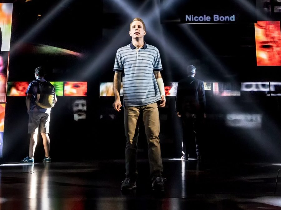 Ben Platt (center) and cast of Dear Evan Hansen (c)Matthew Murphy