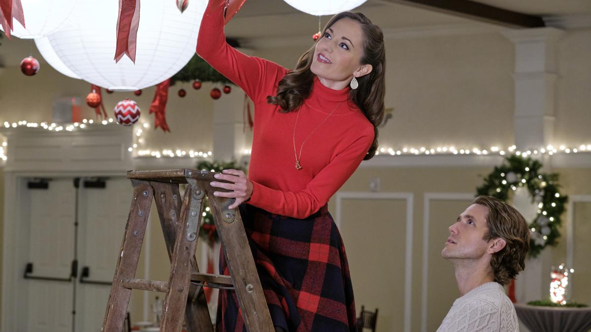 Laura Osnes - Aaron Tveit - One Royal Holiday - 10/20 - Hallmark Channel